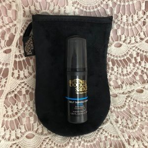 🌺🍍3/$20 🌺🍍Bondi Sands self tan foam w/ glove